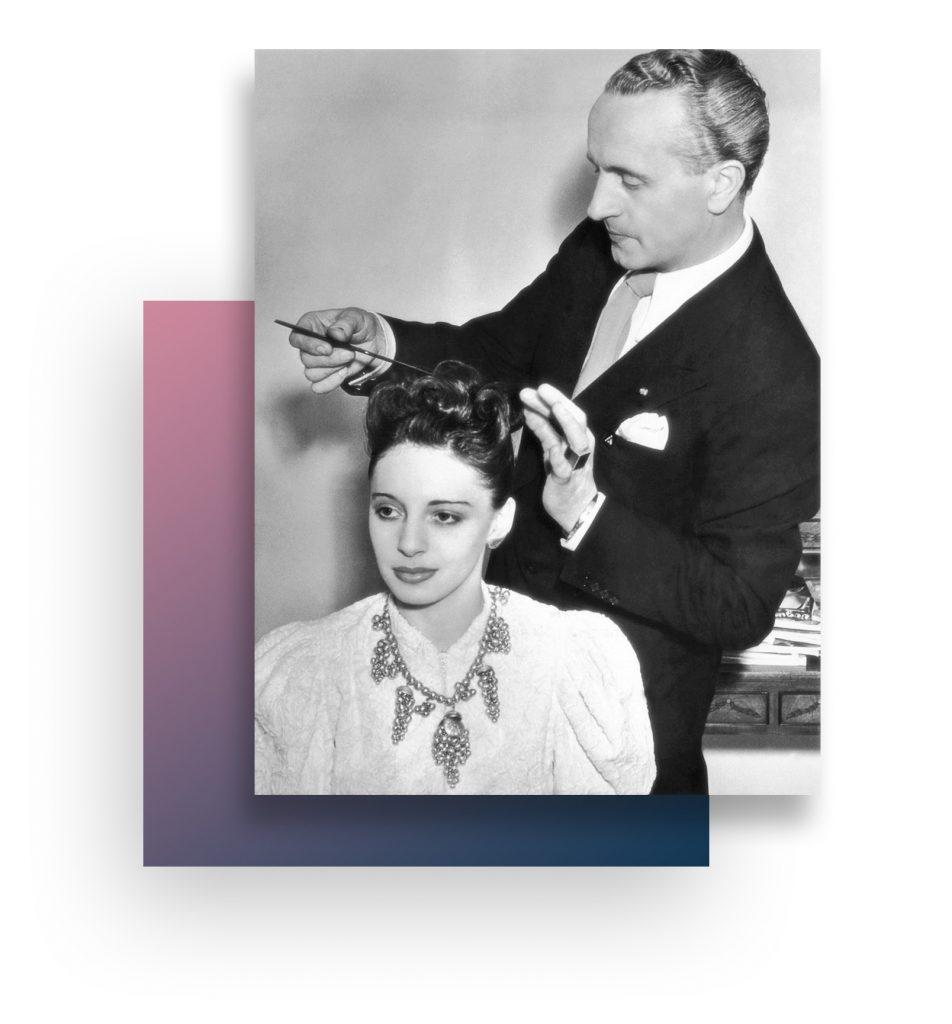 Stylista fryzur w 1909 doradza kreują, dba i pielęgnuje