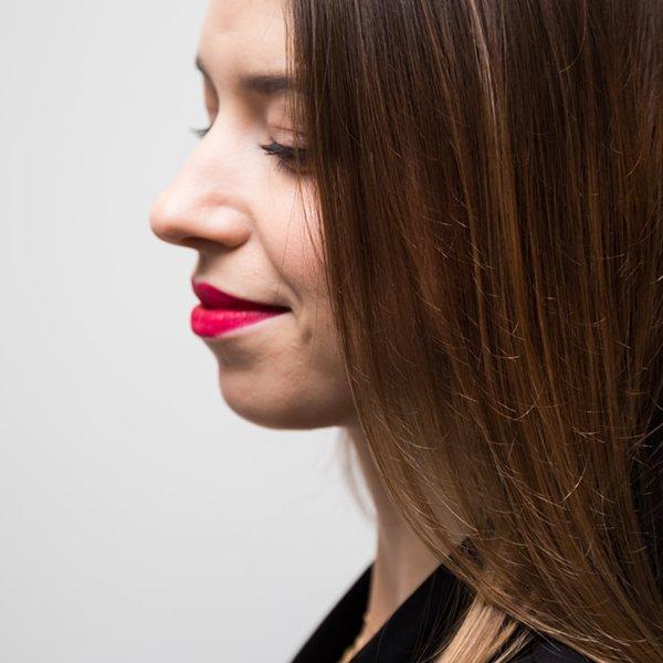 Umów się na zabieg Olaplex. Już po pierwszym zabiegu Olaplex możesz poprawić kondycję swoich włosów.